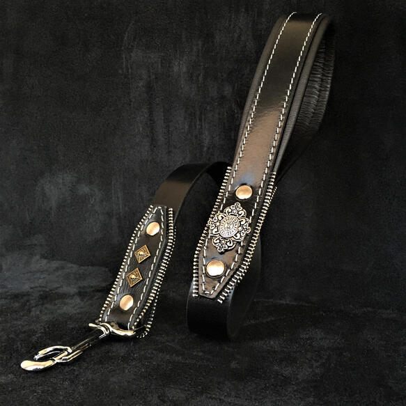 The ''Aztec'' leash black