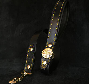 Maximus black and gold leash by Bestia